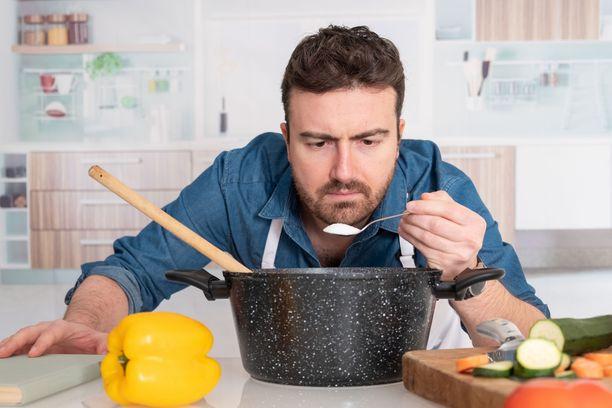 Vähemmälläkin suolalla ruuasta voi tehdä maistuvaa.