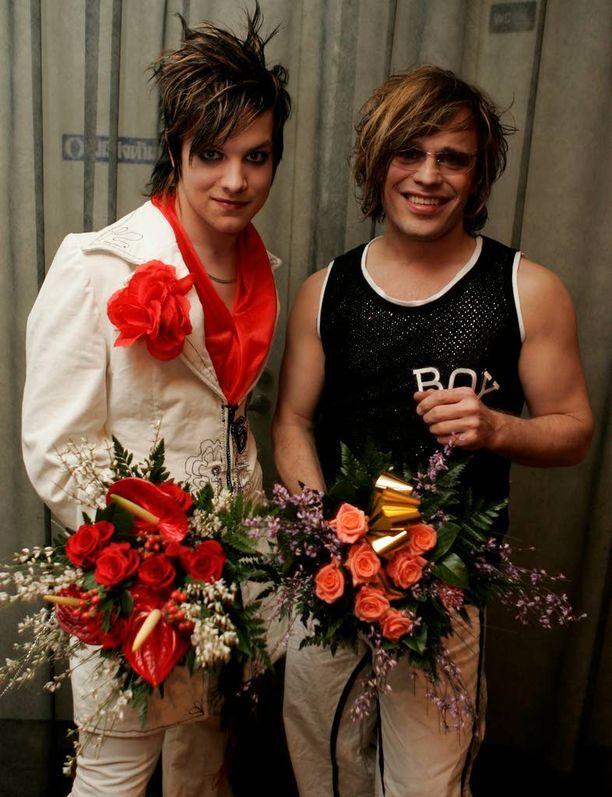 Niko Helenius pääsi 19-vuotiaana moniin korkeamman ikärajan juhliin kutenravintolaan DTM silloisen miesystävänsä Teuvo Lomanin seurassa.
