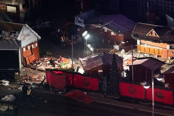 Berliinin joulutorille tehty rekkaisku vaati ainakin 12 ihmisen hengen.