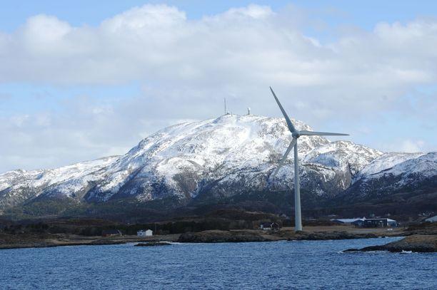 Tuulivoimala Trondheimin lähellä. Kuvituskuva.