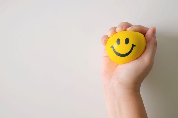 Joskus elämä rutistaa hymyä kurttuun.
