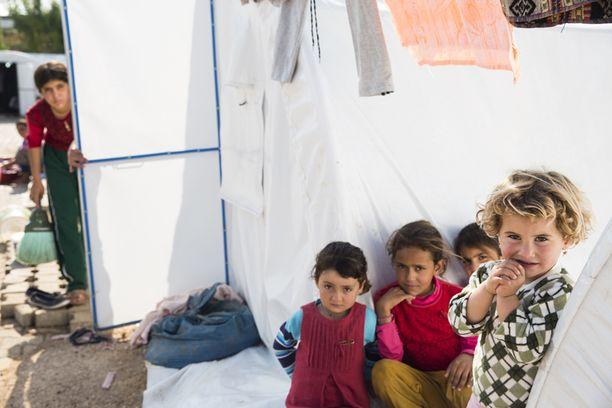 Jesidilapsia pakolaisleirillä Turkissa.
