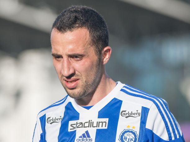 Erfan Zeneli pelasi HJK-paidassa viimeksi vuonna 2015.