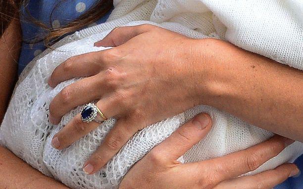 Catherinen sormus on peräisin prinsessa Dianalta.