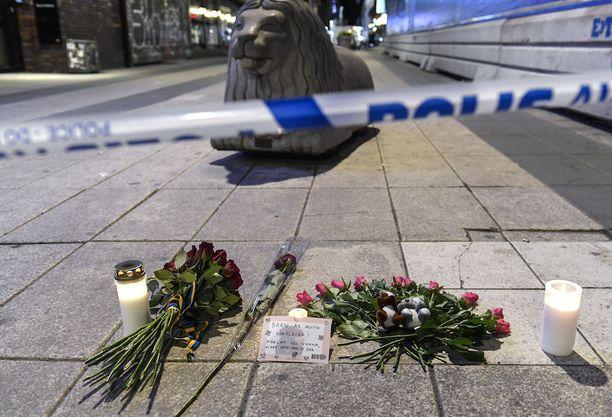 Ruotsi koki lähihistoriansa vakavimman terroriteon huhtikuun alussa, kun uzbekistanilaismies ajoi kuorma-autolla väkijoukkoon Tukholmassa. Iskussa kuoli viisi ihmistä.