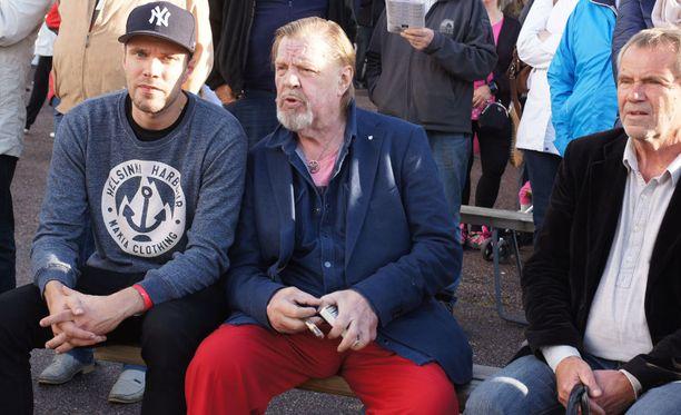 Vesa-Matti Loiri jännitti Vermossa hevosensa Fabrice Duon suoritusta.