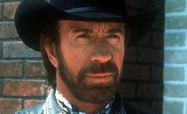 Chuck Norris on tunnettu yhdysvaltalainen taistelulajien ammattilainen ja näyttelijä.