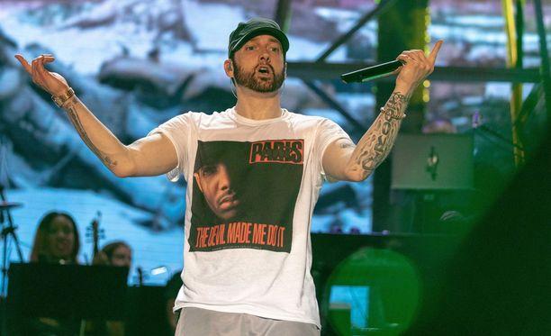 Eminem on julkaissut nyt 10 studioalbumia.