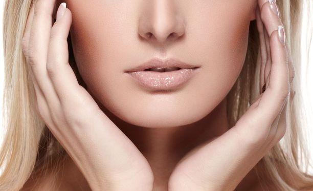 Tieteen näkökulmasta katsottuna täydellisissä kasvoissa kaikki on kiinni kasvonpiirteiden juuri oikeista etäisyyksistä.