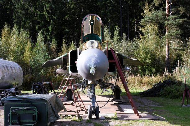 Edestä nähtynä MiG-23 on varsin siro ilmestys.
