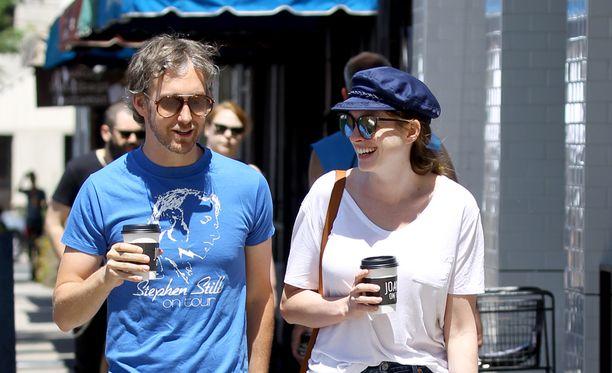 Adam Shulman ja Anne Hathaway tapasivat toisensa vuonna 2008 ja avioituivat syyskuussa 2012.