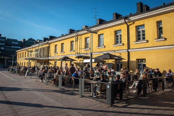 Helsingin ydinkeskustassa sijaitseva ravintola on ollut monien terassikävijöiden kantapaikka.