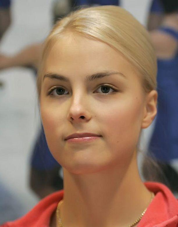 Kiira Korpi joutui anoreksiahuhujen kohteeksi sairastaessaan jalkavaivoja.