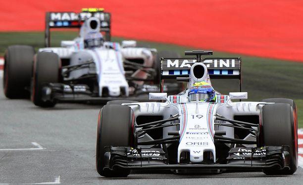 Valtteri Bottas ei saanut ohituslupaa tallikaveri Felipe Massasta.