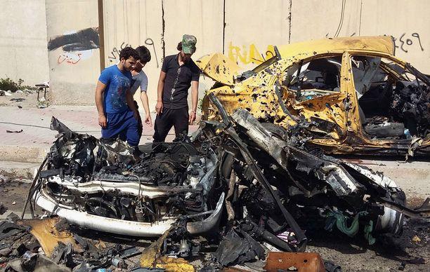 Isis käyttävää räjähteillä täytettyjä autoja terrori-iskuissa, mutta myös taistelutehtävissä. Kuva Bagdadista maanantailta.