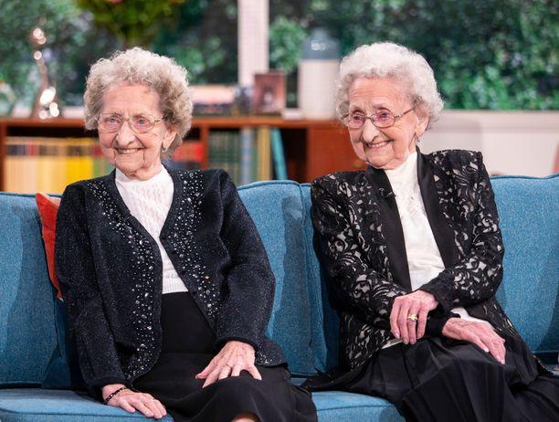 Doris ja Lilian syntyivät vuonna 1924.