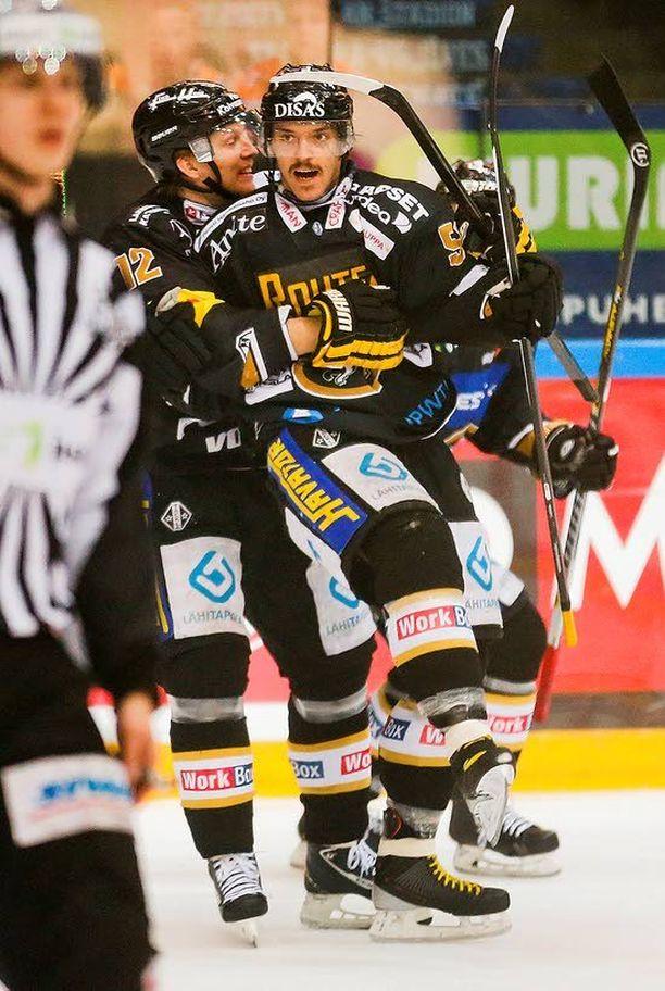 Juhamatti Aaltonen ratkaisi keväällä mestaruuden Kärpille.