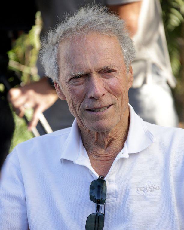 Clint Eastwood on ollut kahdesti naimisissa. Hän erosi Dina-vaimostaan kaksi vuotta sitten.