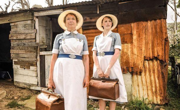 Phyllis ja Barbara haastavat vaativat olosuhteet Etelä-Afrikassa: töihinhän he ovat tulleet!