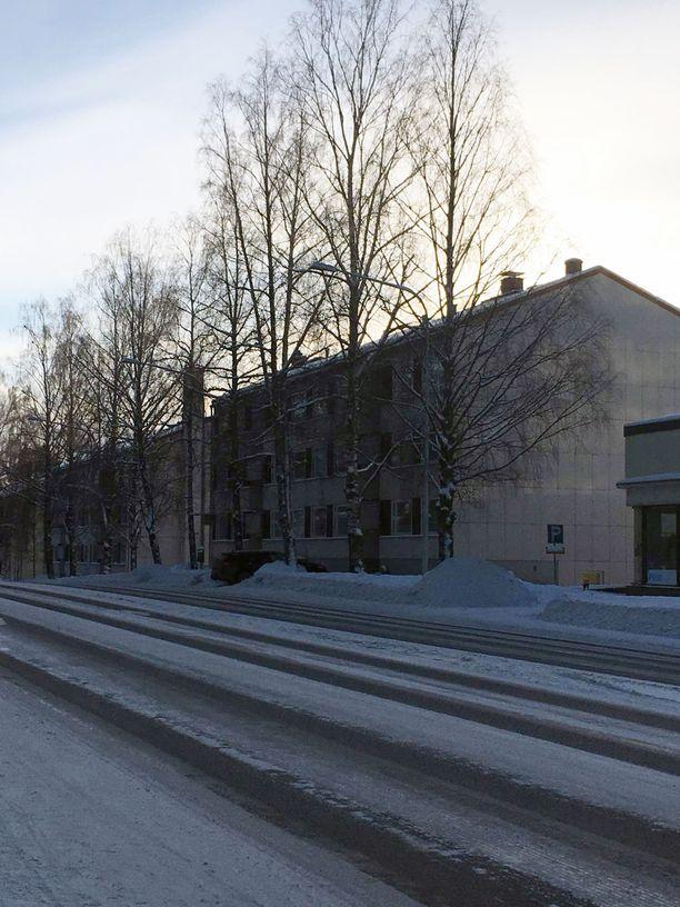 Murha-asunto sijaitsee Lempääläntiellä noin kilometrin päässä Valkeakosken keskustasta.