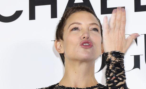 Kate Hudsonia huvittaa hänestä pyörivät huhut.