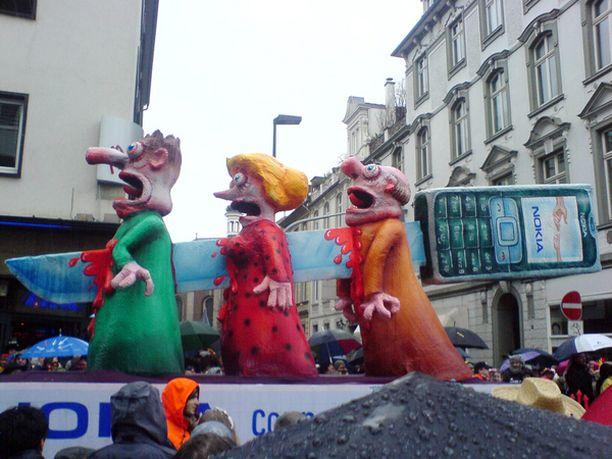 Nokia ei ole tällä hetkellä järin kovassa suosiossa Saksassa. Kuva on karnevaalikulkueesta Düsseldorfissa.