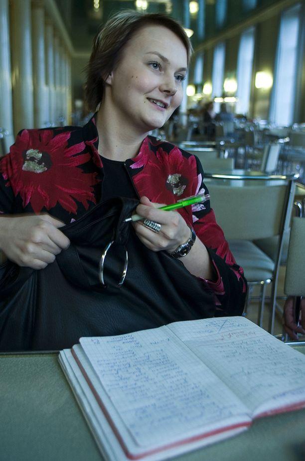 Anna-Mari Vimpari on keskustan ministeriryhmän valtiosihteeri.