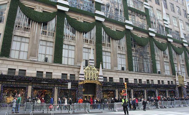 Saks Fifth Avenue on satsannut joulukoristeluun.