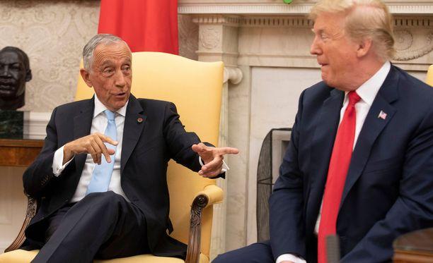 Marcelo Rebelo de Sousa ja Donald Trump juttelivat mm. jalkapallosta.