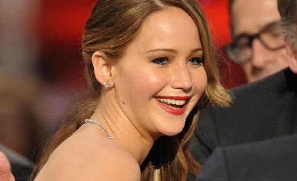 Keuhkokuumeinen Jennifer palkittiin pystillä.