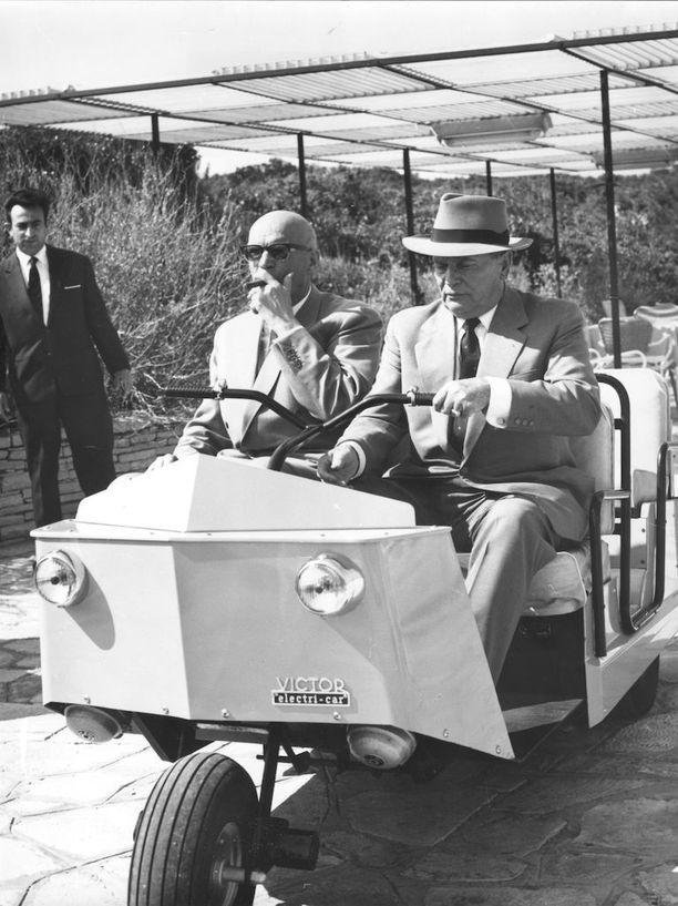 Kekkonen Jugoslavian johtajan Titon kanssa Kroatiassa vuonna 1963.