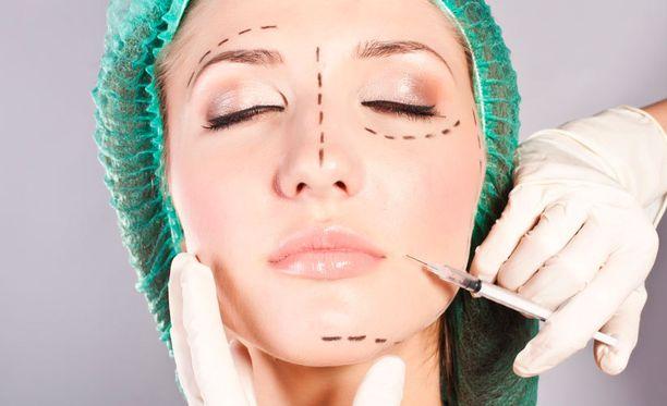 Yhä nuoremmat kokevat tarvitsevansa kauneuskirurgiaa.