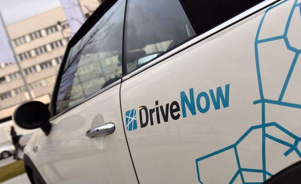 Opiskelijoita yritetään saada yhä enemmän yhteiskäyttöautojen kuskeiksi. Hoas aloittaa kokeilun muun muassa Drive Now -palvelun kanssa. Kuvituskuva.