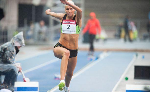 Kristiina Mäkelällä on tänään mahdollisuudet rikkoa naisten kolmiloikan Suomen ennätys.