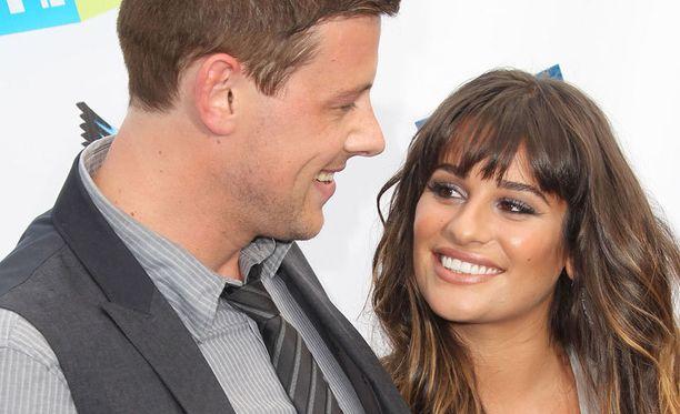Lea Michele ja Cory Monteith tapasivat Glee-ohjelman kuvauksissa ja esittivät suosikkisarjassa paria.