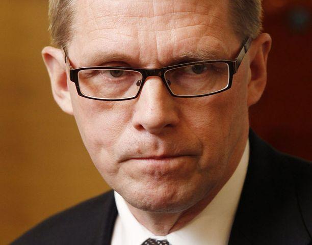 Matti Vanhasen mielestä Yle on sortunut uutisoinnissaan ylilyöntiin.