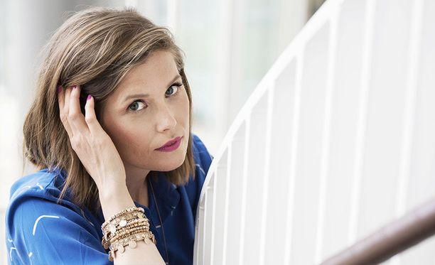 Laura Närhi, 39, on tunnettu suomalainen laulaja.