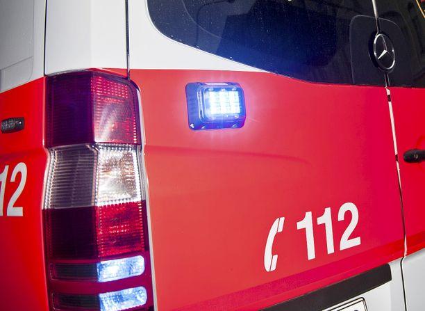 17339821 / 20150614 /  Kuvaaja: Lennart Holmberg / Toimittaja:  / Aihe: Ambulanssia arkistoon / Paikka:  / Huomautukset: