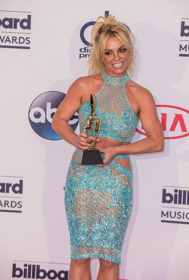 Aikuinen nainen. Britney Spears kuvattuna gaalassa tänä vuonna.
