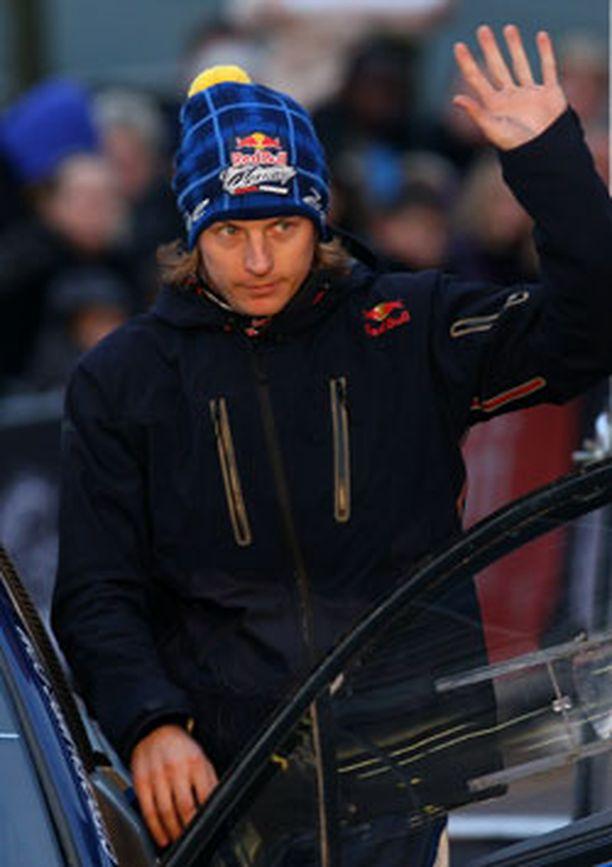 Kimi Räikkönen on hankkinut avukseen muun muassa seitsenkertaisen maailmanmestarin Kari Tiaisen.