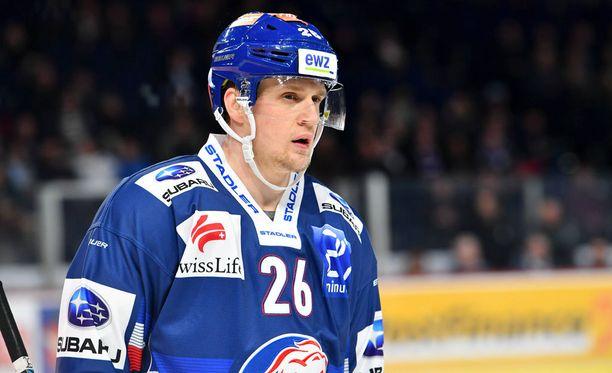 Lauri Korpikoski ehti pelata 16 ottelua Zürich Lionsissa ennen loukkaantumistaan.