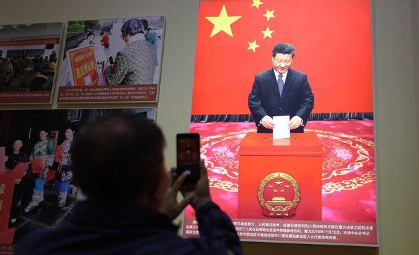 Xi Jinping voi jatkaa Kiinan presidenttinä vaikka loppuikänsä.