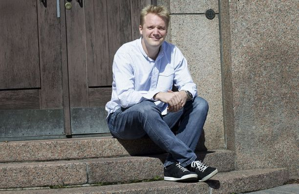 Piilaaksossa asuva Kristian Segerstråle muistuttaa, että huippuosaajia on maailmassa vain kourallinen ja he ovat sirottuneet ympäri maailmaa. Heidän palkkaamisen hankaloittaminen vaikeuttaa huomattavasti uusien huippuyritysten syntymistä.