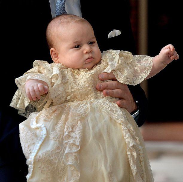 Prinssi George ristiäispäivänään vuonna 2013.