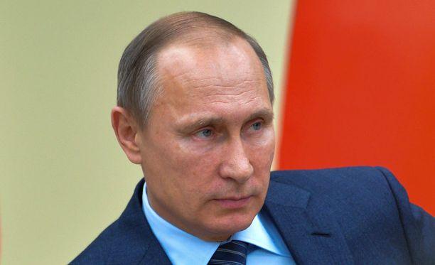 Venäjän presidentti Vladimir Putin ottaa käyttöön kovia aseita.