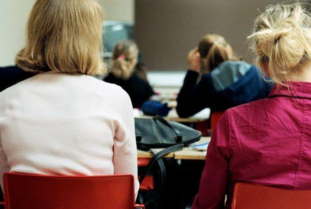 Noin 500 henkilöä kuuli keskusradion välityksellä, kun hämäläispoika haistatteli opettajalleen. Kuva ei ole kyseisestä koulusta.