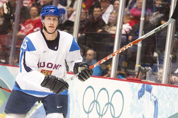 Pitkänen pokkasi Leijonien paidassa olympiapronssia Vancouverissa 2010.