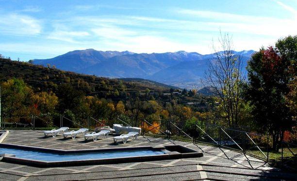 Pyreneiden Bains de Torresista avautuvat silmiähivelevät näkymät.