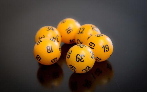 Lotossa ei päävoittoa, ensi viikolla kaikkien aikojen ennätyspotti –  katso oikeat numerot