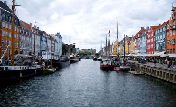 Mitä jos jäisitkin tällä kertaa Pohjoismaihin? Kööpenhaminassa voi nauttia vaikkapa näistä Nyhavnin värikkäistä taloista.